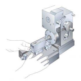 プッシャ型トルクセンサはアンデロンメータ駆動部に装着し使用します
